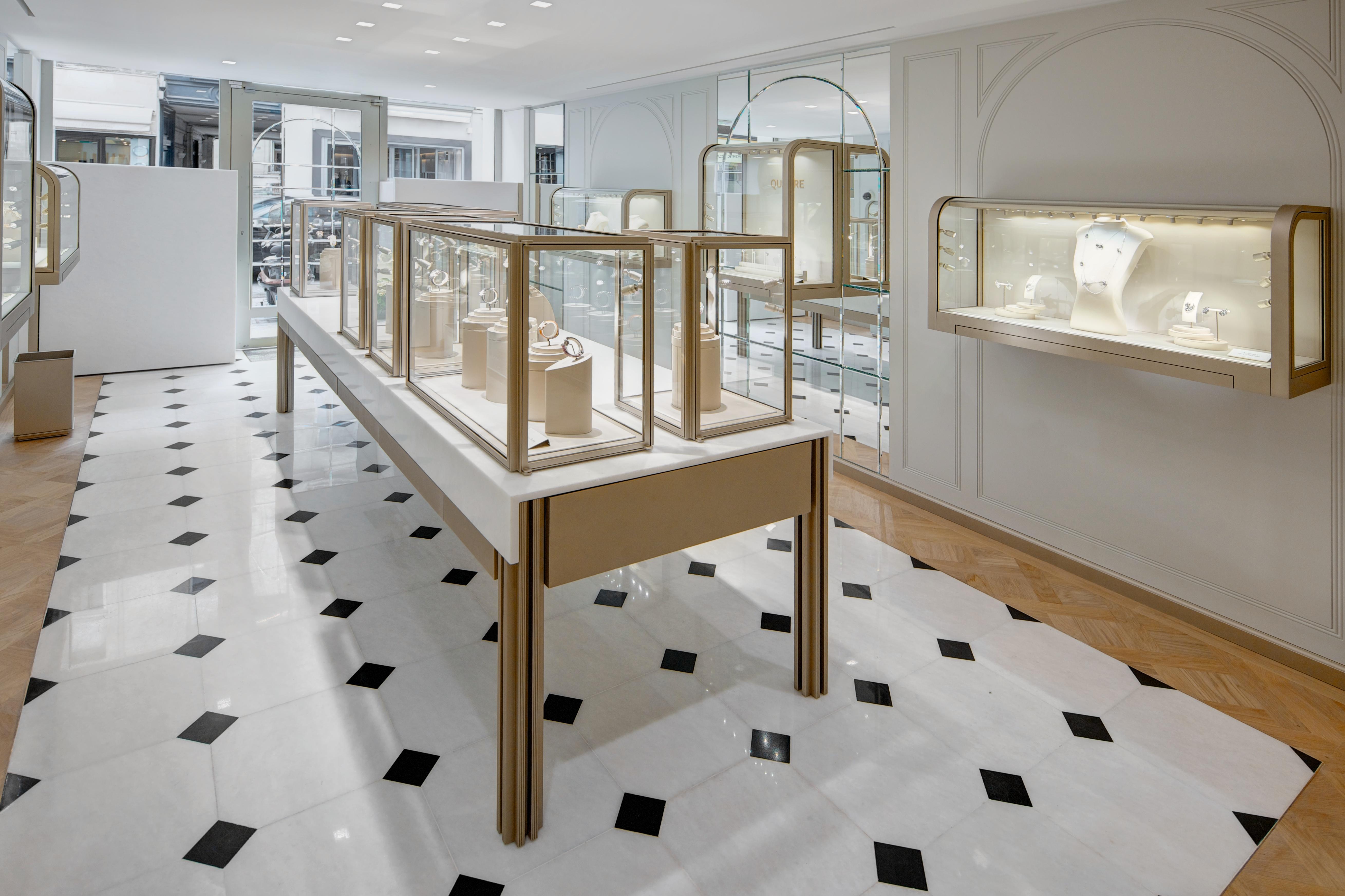ameliemorinbernat.com retail bijouterie salon table tapis sol marbre parquet versailles