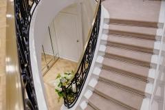 ameliemorinbernat.com retail bijouterie escalier ferronnnerie marbre