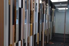 ameliemorinbernat.com retail conceptsore facade vitrine poteau cuivre miroir